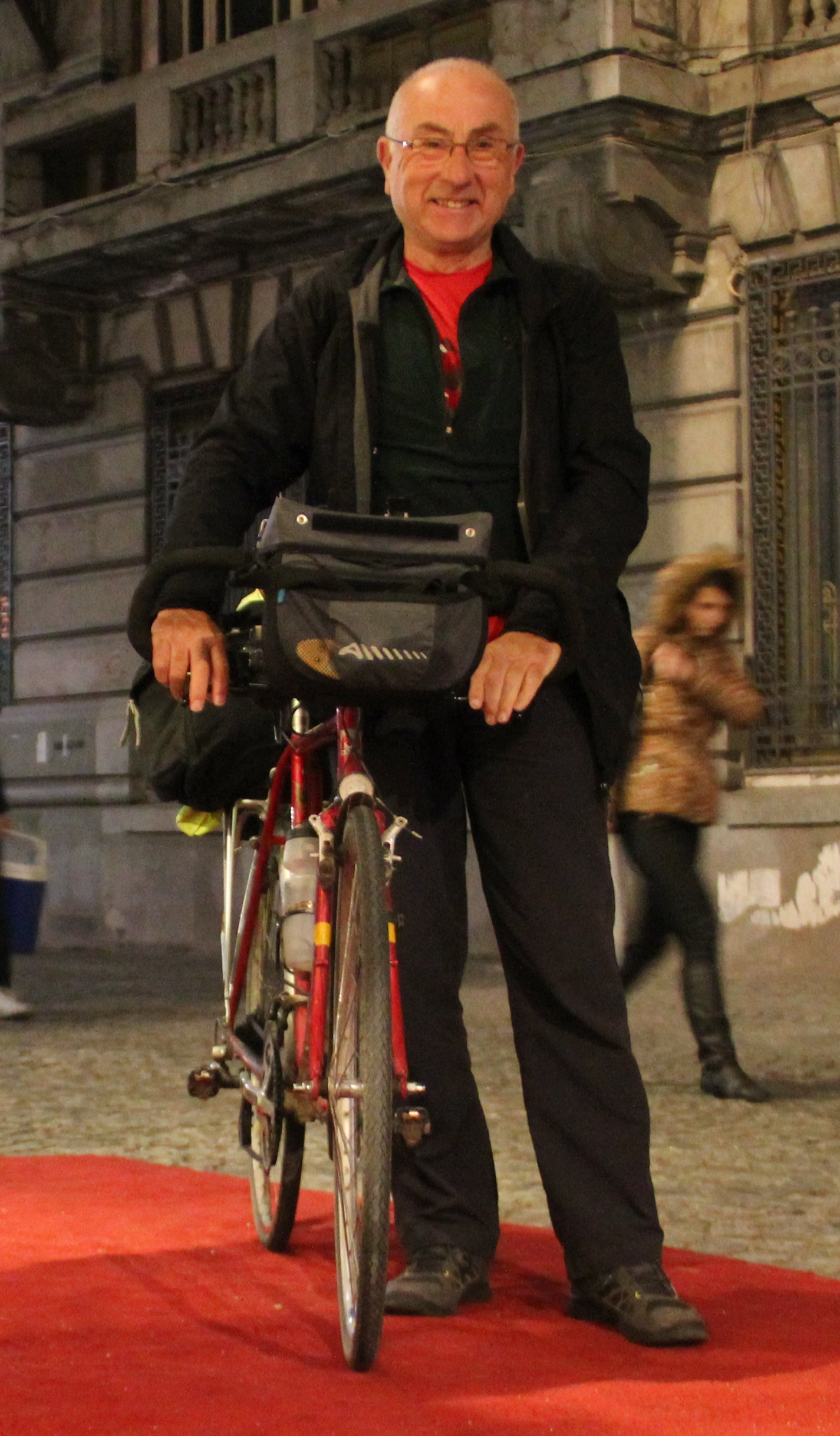 Geoff Jones & bike in Bucharest